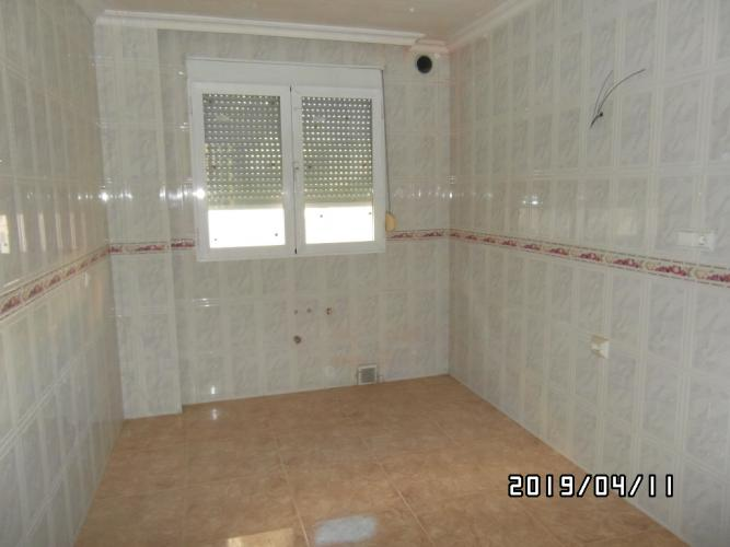 DUPLEX INDEPENDIENTE CON COCHERA Y EN YECLA
